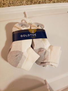 "New with tags - 6 pair of socks - ""sport low cut"" - size M (9-2.5 kid)"