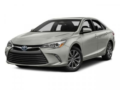 2016 Toyota Camry Hybrid LE (Super White)