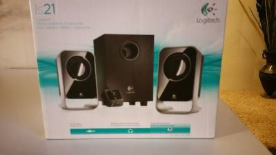 LOGITECH SUBWOOFER & STERIO SPEAKERS SET