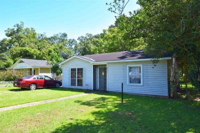 2 Bedroom Home in Fairmont Subdivision, Mobile