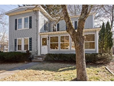 3 Bed 1.5 Bath Foreclosure Property in Medway, MA 02053 - Sanderson St