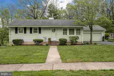 209 Wood Ln Reading Three BR, One-story living in this clean and