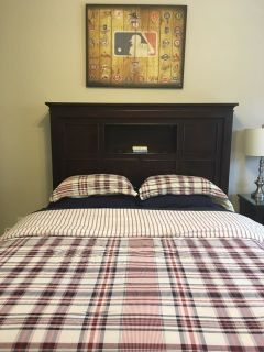 Tommy Hillfiger Queen Comforter and Pillow Shams