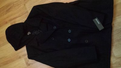 New with tag. Men's black Wool/Poly blend jacket. Size XXL. KENNETH COLE REACTION brand.