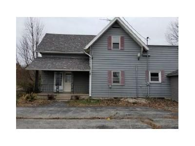 5 Bed 4 Bath Foreclosure Property in Rossville, IN 46065 - W State Road 26