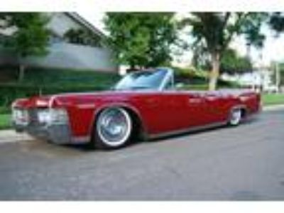 1965 Lincoln Continental Convertible RED