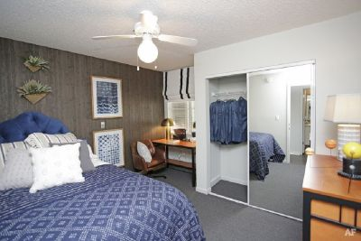 Apartment, need subleaser ASAP!