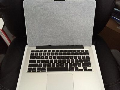 $800, FACTORY SEALED Apple MacBook Pro 17 Laptop 2.8 GHZ 4 GB 500 GB RARE NEW