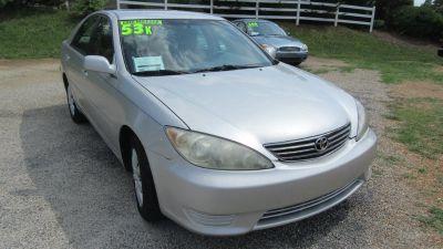 2005 Toyota Camry Standard (Tan)