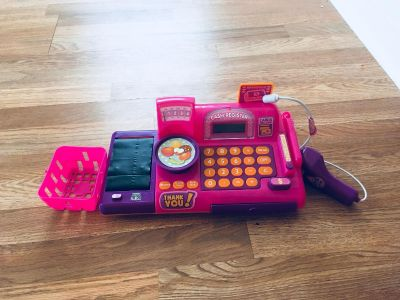 Pink cash register works great could use some new batteries