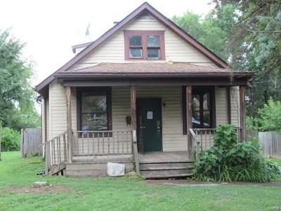 3 Bed 2 Bath Foreclosure Property in Saint Ann, MO 63074 - Sims Ave