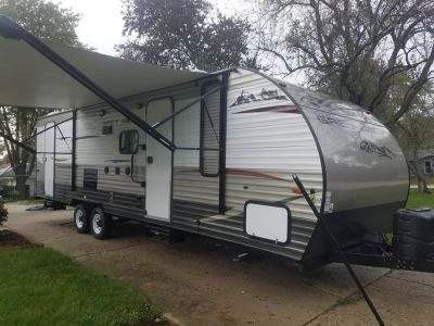 2014 Grey Wolf 26dbh Travel Trailer 31 ft