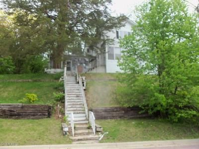 4 Bed 2 Bath Foreclosure Property in Faribault, MN 55021 - Mott Ave NE
