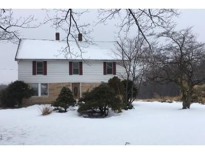 4 Bed 2 Bath Preforeclosure Property in Enfield, CT 06082 - King St