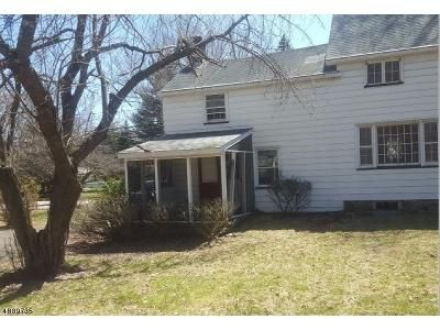 2 Bed 1 Bath Foreclosure Property in Mahwah, NJ 07430 - Masonicus Rd