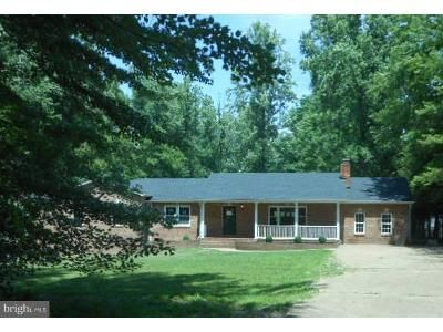 4 Bed 3 Bath Foreclosure Property in Fredericksburg, VA 22406 - Hartwood Rd