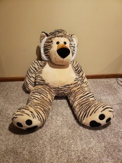 Giant tiger stuffed animal. 4ft tall. No stains smoke and pet free home.