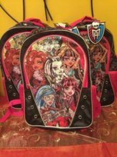 BRAND NEW MONSTER HIGH BACKPACKS.... GREAT GIFTS ....FOR LITTLE GIRLS ....