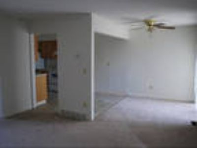 $834 / 2 BR - Great Deal. MUST SEE!