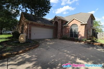 Stunnng 4 bedroom 2.5 baths in gated community!