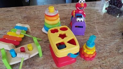 Lot of 6 baby toys