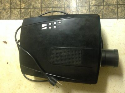 Pyle home - LCD Projector