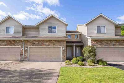 20677 Keystone Avenue LAKEVILLE, One of a kind townhome in .