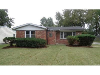 3 Bed 1 Bath Foreclosure Property in Belleville, IL 62226 - W Belle St
