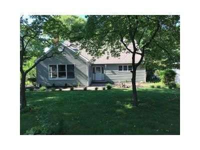 4 Bed 3 Bath Foreclosure Property in Miller Place, NY 11764 - Central Ave