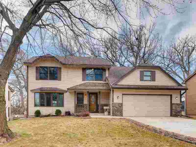 1409 Rushmore Drive BURNSVILLE Four BR, A wonderful home in a