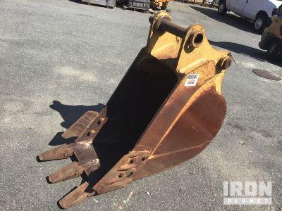 """Kenco 24"""" Excavator Bucket - Fits Cat 320"""