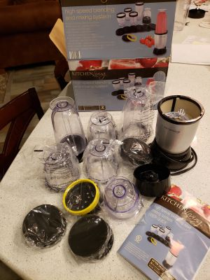 Kitchen Living highspeed blender. Only used a couple times; most pieces are still in packaging