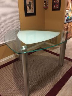 Dinette heavy bar height triangle table 5ft each angle