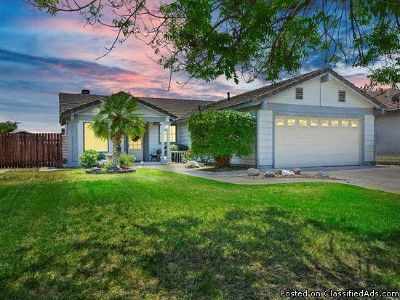 3 beds 2 baths for single family for rent in Wildomar, CA 92595
