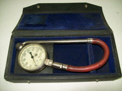 Sell VINTAGE AIRCRAFT TIRE PRESSURE GAUGE 0-400 PSI USED motorcycle in Winchester, Virginia, US, for US $35.00