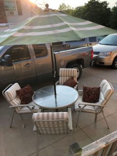 Patio set. Good condition!