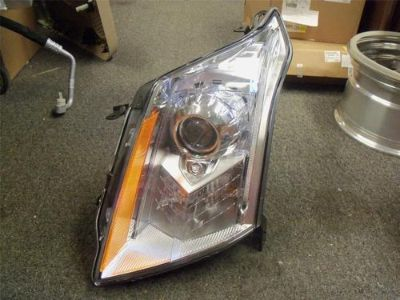 Purchase 2010-2012 OEM CADILLAC SRX LH DRIVER SIDE XENON HEADLIGHT 22774011 motorcycle in Bixby, Oklahoma, US, for US $499.99