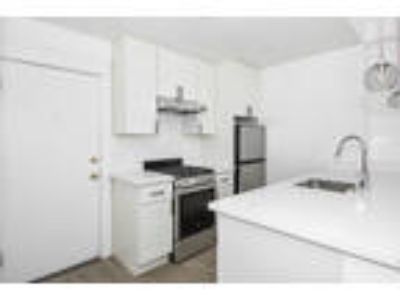 250 FELL Apartments - Junior One BR One BA Apartment