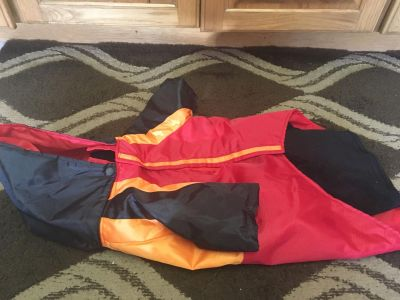 Kong dog size large 2 in one coat has fleece liner in it and rain jacket