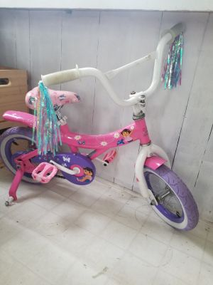 Girls bicycle Dora
