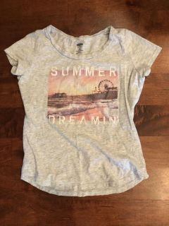 Old Navy graphic tee, size small