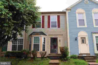 7223 Stover Dr ALEXANDRIA Three BR, This 3 lvl townhome has 3