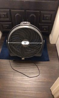 "Lasko 20"" Fan with remote"