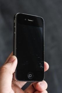$175, UNLOCKED iPhone 4 16 GB in Good condition with 30-day warranty