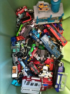 Hot Wheels and Accessories Lot...