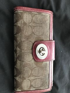 Coach wallet Burgundy and tan