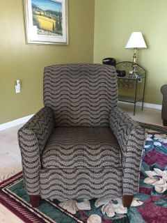 Two recliners * Pt Sanilac pick up only!