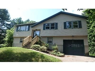 3 Bed 1 Bath Foreclosure Property in Pelham, NH 03076 - Pineridge Rd