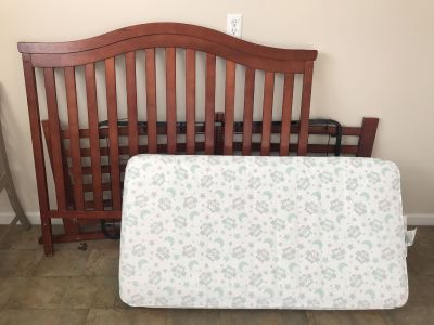 Crib with gently used mattress