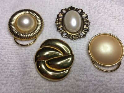 Vintage Scarf Clips Lot of 4 Gold Colored Metal Various Shapes and Sizes Three with Pearl Type S...